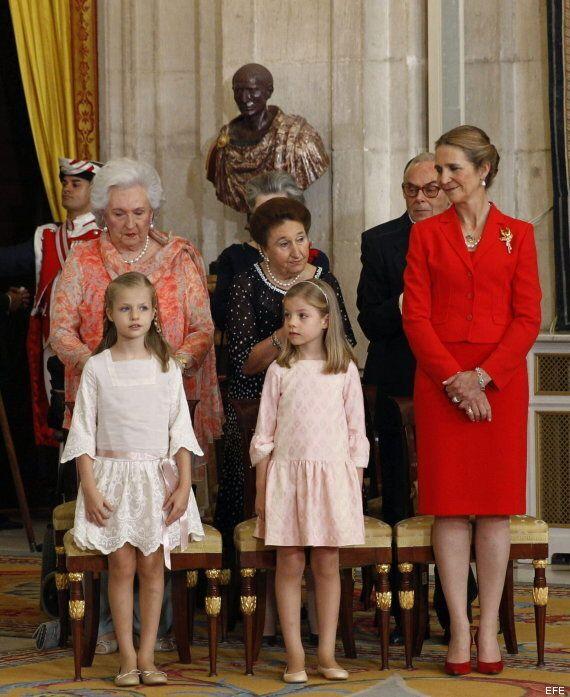 Leonor y Sofía, protagonistas en la firma de la ley de abdicación del rey Juan Carlos