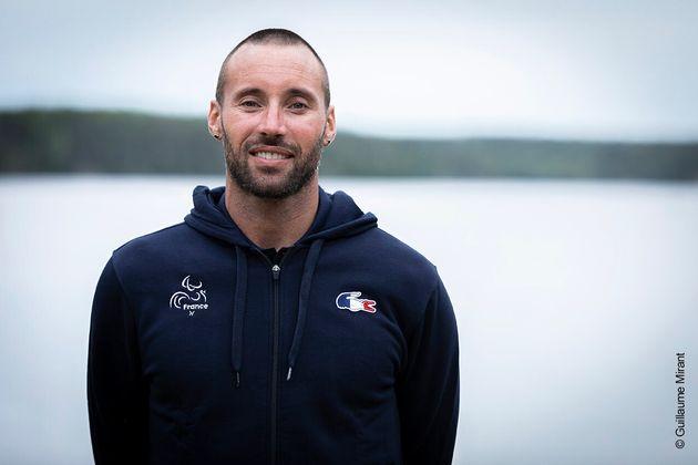 Le nageur Sami El Gueddari, athlète paralympique, participera à