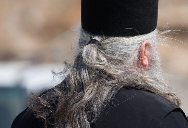 Πρώην κληρικός προσπαθεί να ιδρύσει παλαιοημερολογίτικη «μητρόπολη» στη