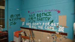 Εξάρχεια: Αποκαλυπτικές εικόνες από την εξαθλίωση των μεταναστών στα υπό κατάληψη