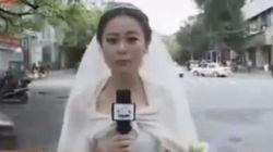 ¿Qué hace esta periodista china trabajando vestida de novia?