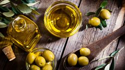 If Your Olive Oil Tastes Like This, It Could Help Fight Cancer