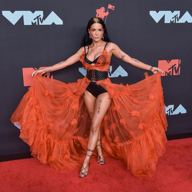 NEWARK, NEW JERSEY - AUGUST 26: Halsey attends the 2019 MTV Video Music Awards red carpet at Prudential...