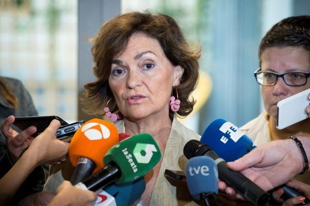 La vicepresidenta del Gobierno en funciones, Carmen Calvo, responde a las preguntas de los periodistas...