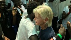 Historión: una enfermera estadounidense se reencuentra en el 'Ocean Viking' con un chico de Darfur al que salvó hace 15