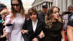 Una treintena de las víctimas de Epstein relata su pesadilla ante un juez de Nueva