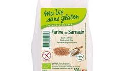 Des paquets de farine de sarrasin