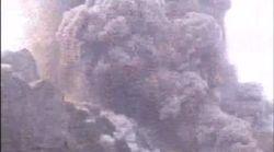 Il momento dell'eruzione dello Stromboli ripresa in diretta
