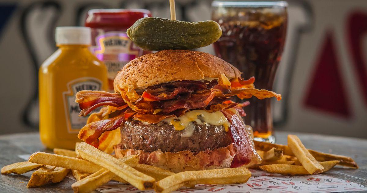 Bacon Day: Hamburgueria de SP celebra data fazendo uma verdadeira ode ao bacon