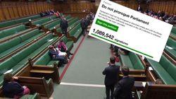 Le Parlement britannique suspendu va devoir examiner cette pétition contre sa