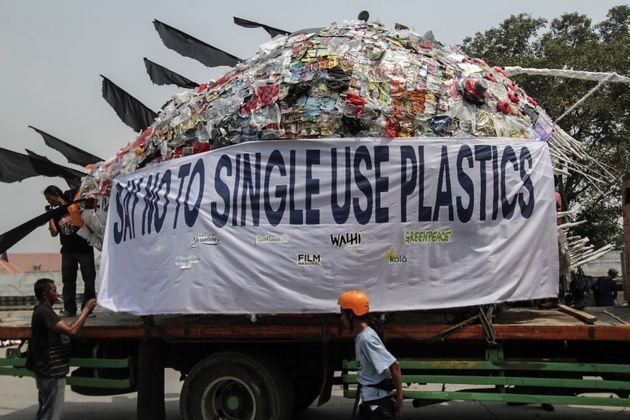 India To Ban 6 Single-Use Plastic Products On October 2: