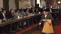 Un diputado mexicano defiende la fiesta taurina vestido de