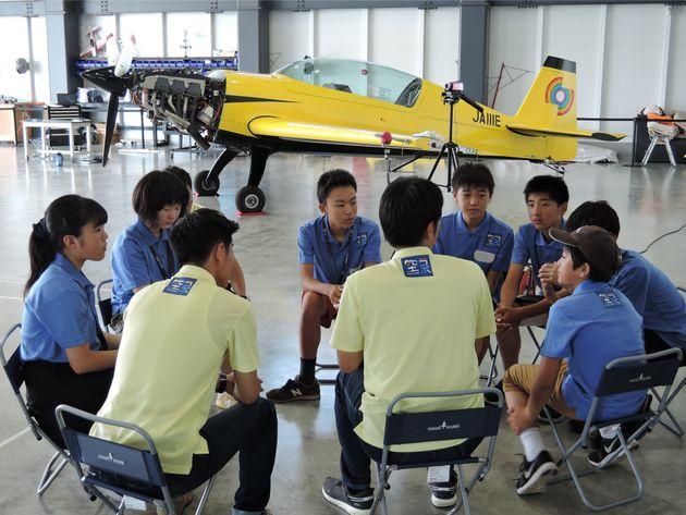 「空ラボ」中学1・2年のコース。仲間と議論をさせる自主性を特に大切にしている