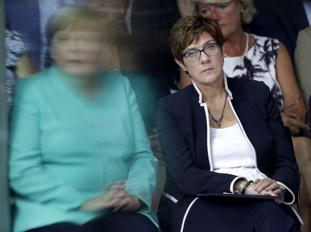 Κάλπες στην Γερμανία: Η ακροδεξιά «θολώνει» το μέλλον της κυβέρνησης
