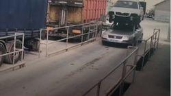 Βίντεο: Έφαγε πρόστιμο επειδή μετέφερε αυτοκίνητο στην οροφή του αυτοκινήτου