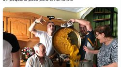 Los autores del mítico desastre de la paella vuelven a hacer historia con otra foto cinco meses