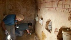 Encuentran intacto un mausoleo romano en