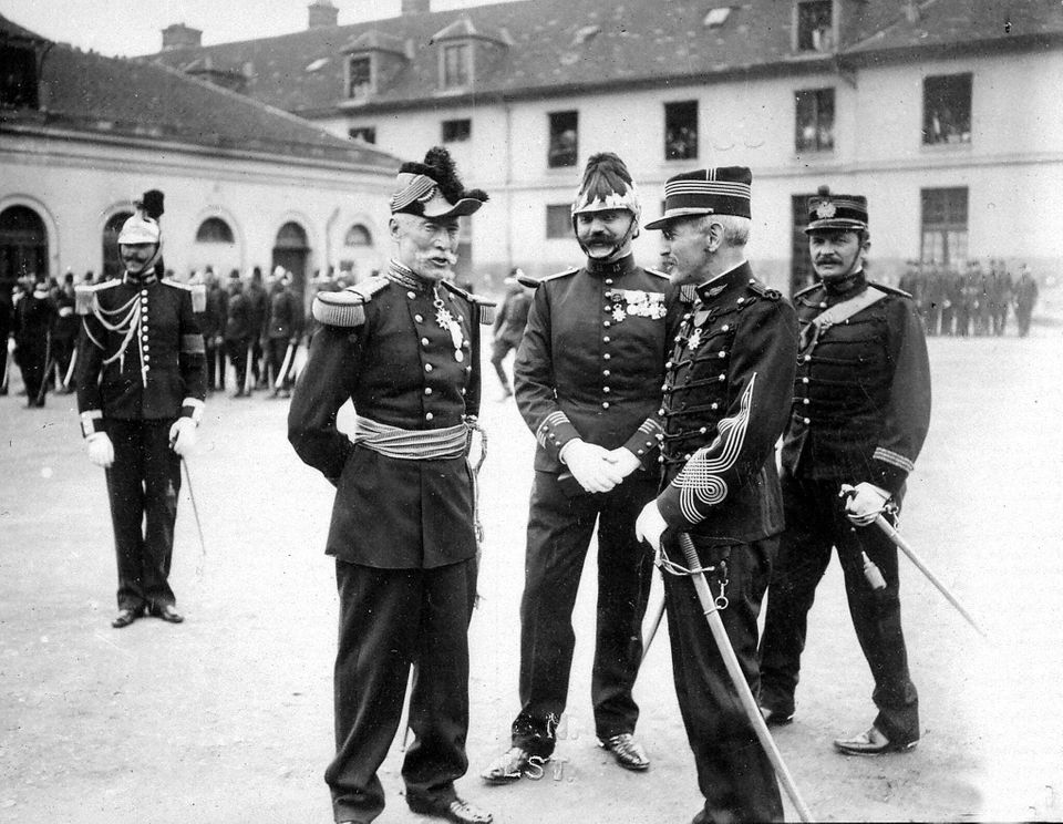 FRANCE - 1916: Dreyfus's rehabilitation after the discount of decorations. The commander Dreyfus speaks...