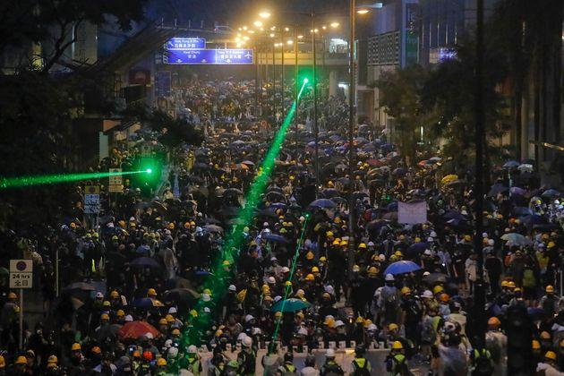 À Hong Kong, plusieurs interpellations dans le camp