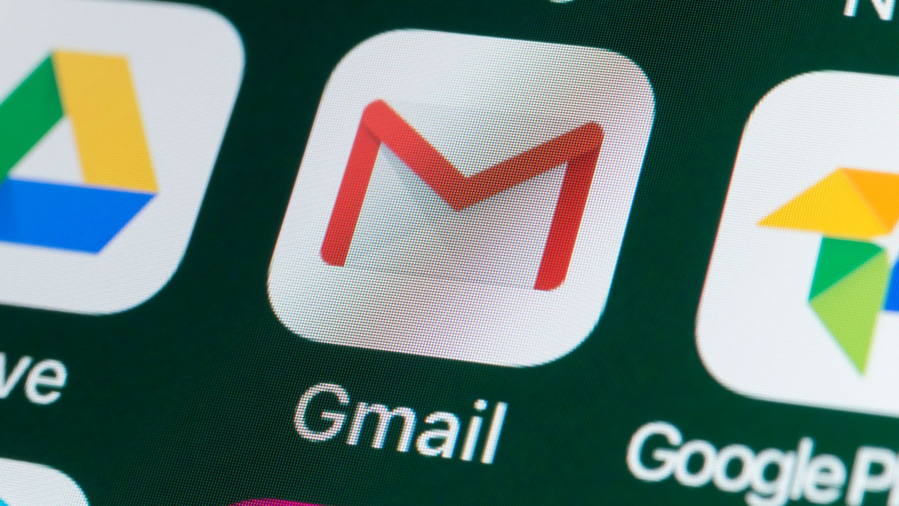 Gmail Now Tells Coworkers You're On Vacation Before They Even Email You - HuffPost thumbnail