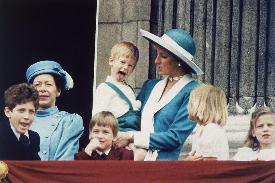 Η πριγκίπισσα Νταϊάνα με τους δύο γιους της, Χάρι κα Γουίλιαμ.