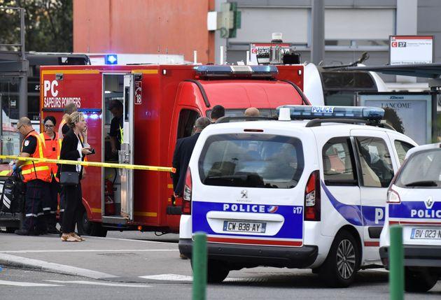 Les secours et la police à Villeurbanne, près de Lyon, après les agressions à...