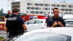 Agression en France: un mort et huit