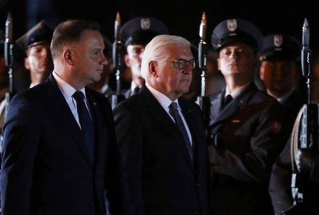 Au petit matin ce 1er septembre, le président polonais Andrzej Duda (à gauche) et son homologue...