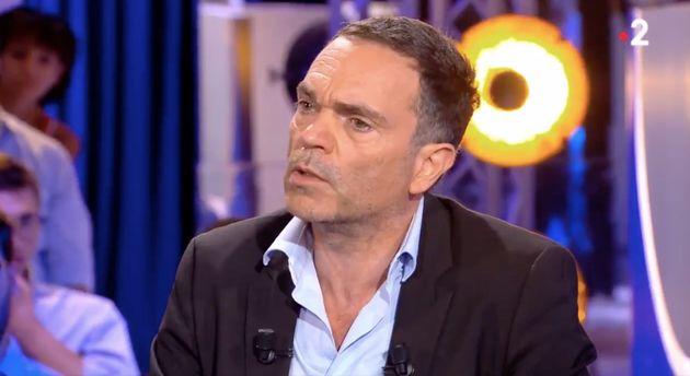 Yann Moix présente ses excuses dans