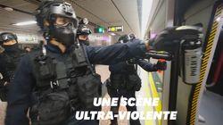 À Hong Kong, cette violente intervention de policiers dans le métro
