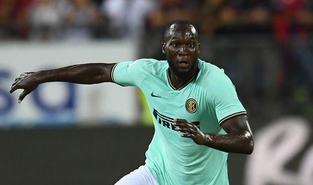 Auteur d'un but sur penalty durant la victoire de l'Inter en Sardaigne, Romelu Lukaku a été...