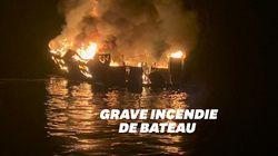 Les images de l'incendie qui a ravagé un bateau de tourisme au large de la