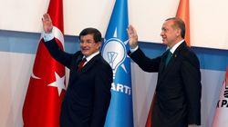 Ο Ερντογάν διαγράφει τον Νταβούτογλου από το κυβερνών κόμμα της