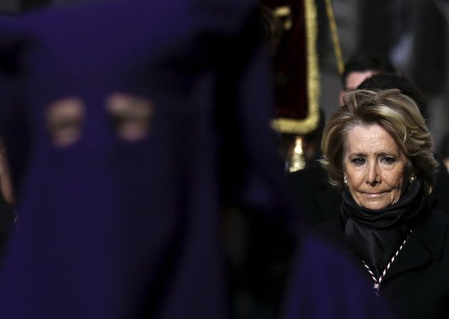 Esperanza Aguirre, en la procesión de La Soledad de Madrid,en la Semana Santa de