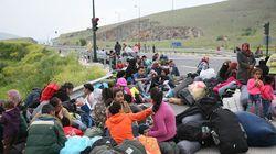 Καθιστική διαμαρτυρία 200 προσφύγων και μεταναστών στη