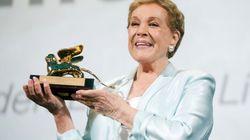 Η Τζούλι Αντριους παρέλαβε τον τιμητικό «Χρυσό Λέοντα» στο Φεστιβάλ Κινηματογράφου