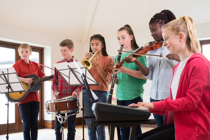 Students who take music courses also experience benefits, such as higher academic achievement and positive mental health.