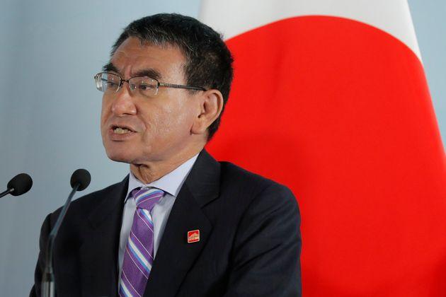 지난 8월 21일 한중일 삼자 외교장관 회의 기자회견에서 발언한고 있는 고노 다로