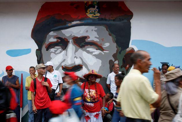 H Βενεζουέλα κατηγορεί την Κολομβία ότι επιδιώκει σύρραξη μεταξύ των δύο