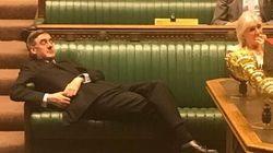 «Σήκω πάνω άνθρωπέ μου!» - Ο ηγέτης της Βουλής των Κοινοτήτων κοιμόταν κατά την πιο κρίσιμη
