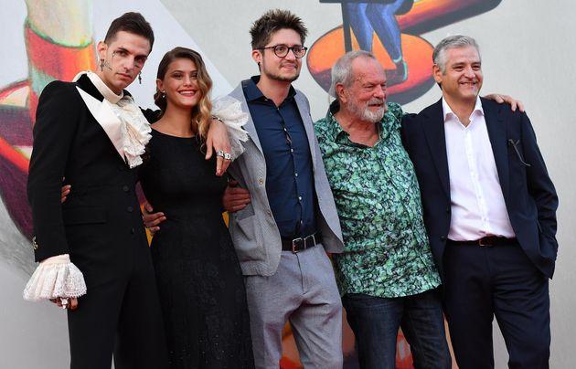 Venezia 2019: Achille Lauro (senza Rolls Royce) è un duca moderno ed eccessivo sul red