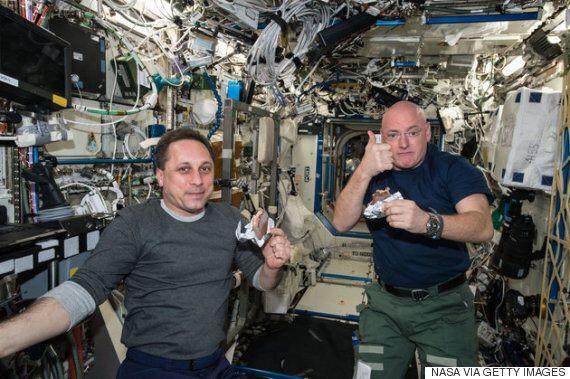 미래의 우주인들은 자기 똥으로 만든 음식을 먹게 될지도