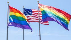미국인들이 LGBTQ를 점점 더 불편하게