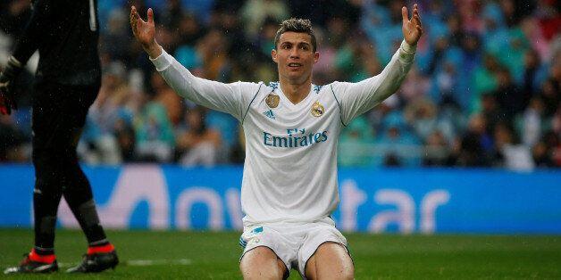 Soccer Football - La Liga Santander - Real Madrid vs Villarreal - Santiago Bernabeu, Madrid, Spain -...