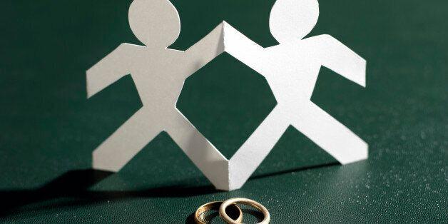 친구였던 이성애자 남성 두 사람이 결혼하게 된