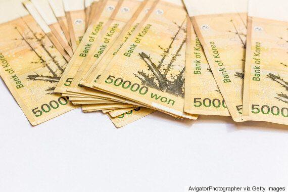 근로소득자 평균 연봉이 3360만원으로 집계됐다. '억대연봉'은 60만명을