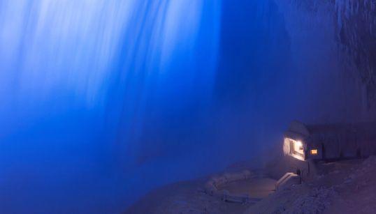 나이아가라 폭포가 한파로 얼어붙은 모습은