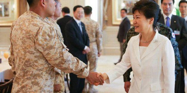 박근혜 정부가 UAE와 비밀 군사협정을 맺은 사실이 뒤늦게