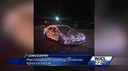 크리스마스를 너무 사랑한 남자가 경찰에
