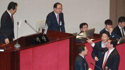 박주민 의원이 페북 라이브로 전한 '국회